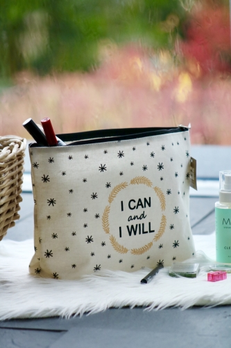 "Kosmetiktasche ""I can and will"""