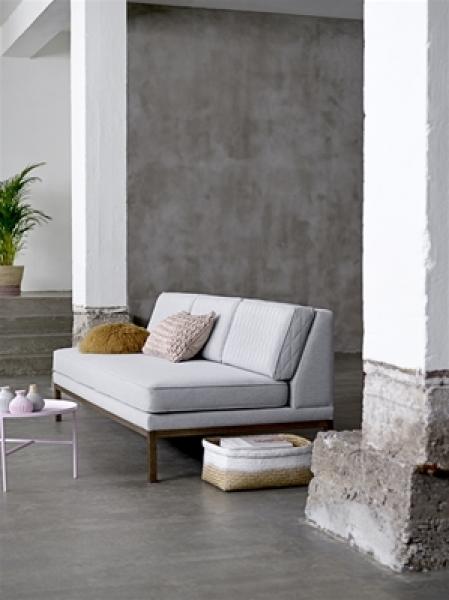 grafinteriors sch ner wohnen geht ganz einfach design sofa settle von bloomingville 100. Black Bedroom Furniture Sets. Home Design Ideas